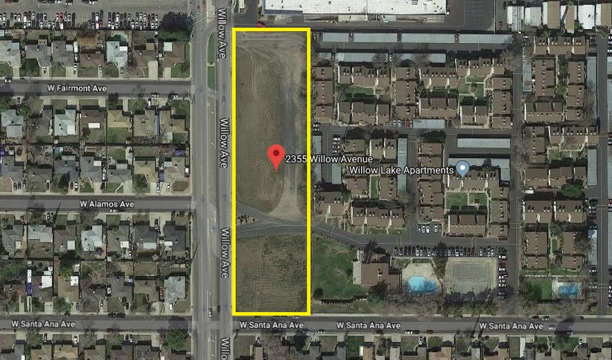 Aerial map of 2355 Willow Ave., Clovis. Corner of Willow and Santa Anna. Surrounded by residential properties.