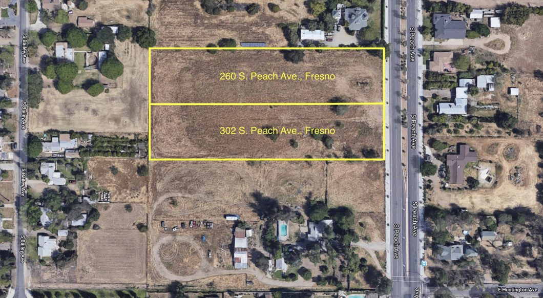 260 & 302 S. Peach Ave., Fresno. Aerial Map. Vacant land. Surrounded by houses on large parcels.