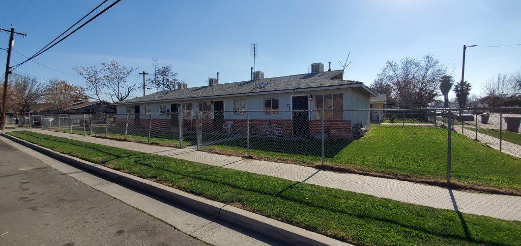 Cover photo of 4690 E. Hungtton Ave., Fresno (fourplex for sale)
